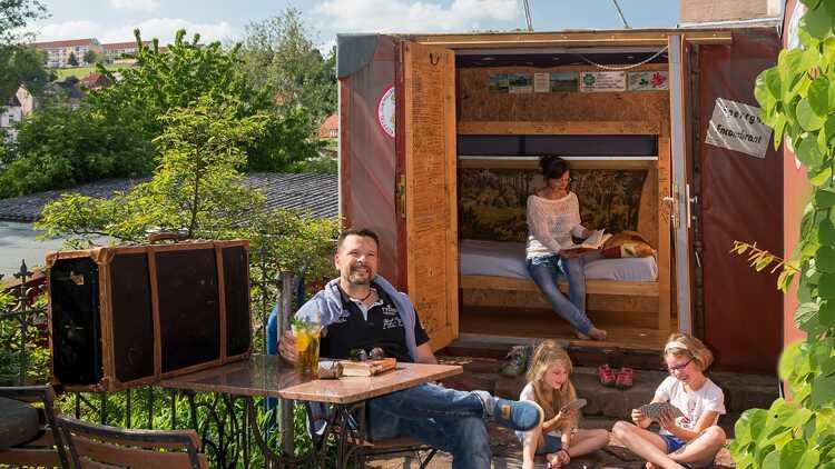 Kofferhotel in Lunzenau - Foto: Dirk Rückschloß, BUR-Werbung